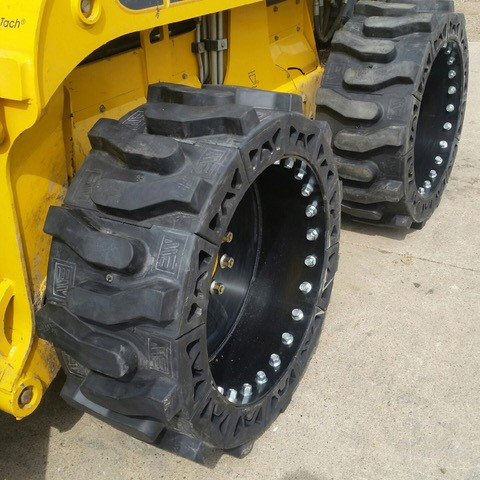 titan hd 2000 skid steer tire