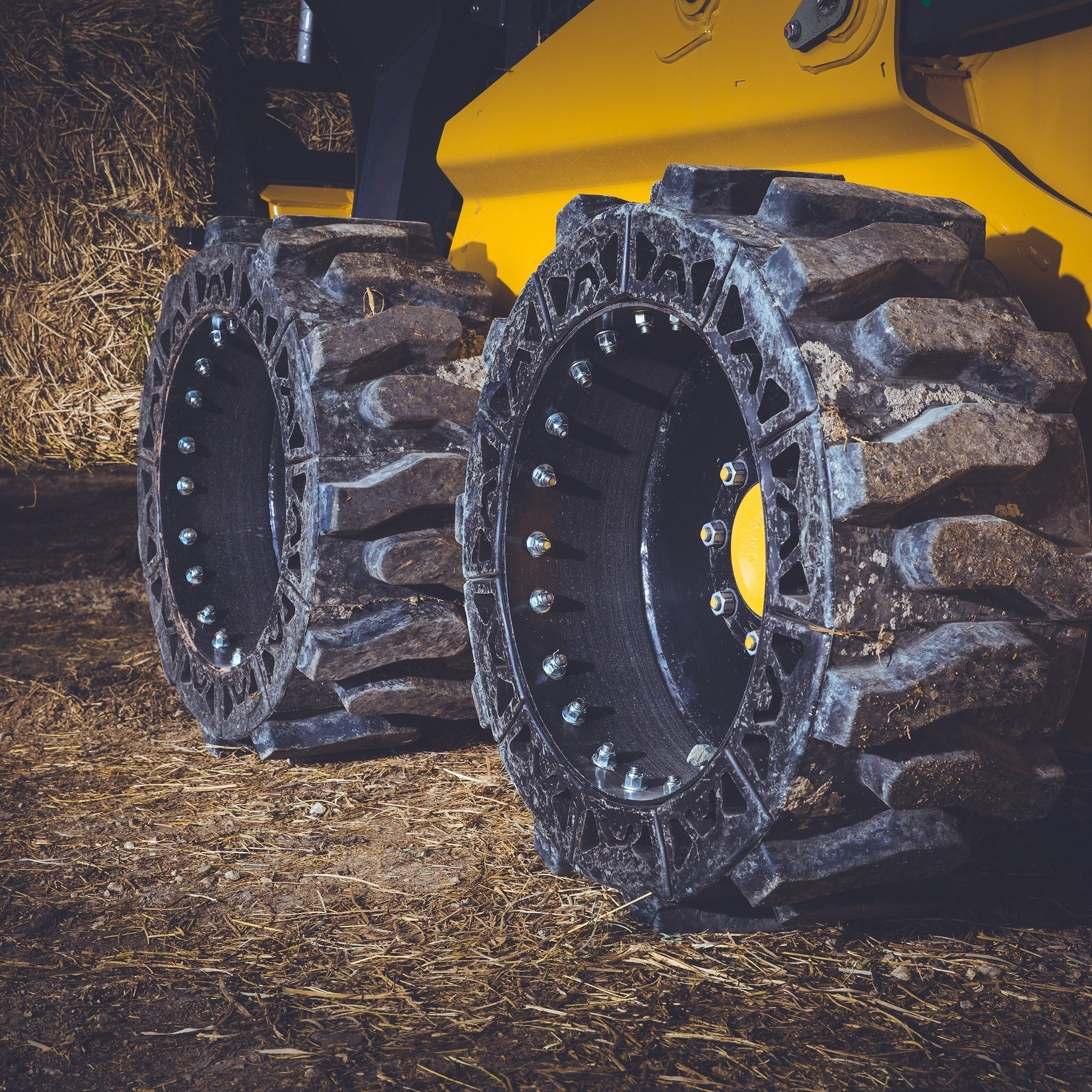 prowler tires guard dog vs evolution wheel ewrs-at skid steer tires