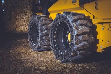 flat proof skid steer tires